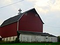 Barn West of Richland Center - panoramio.jpg