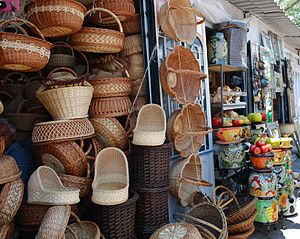 Tequisquiapan - Baskets and other crafts for sale