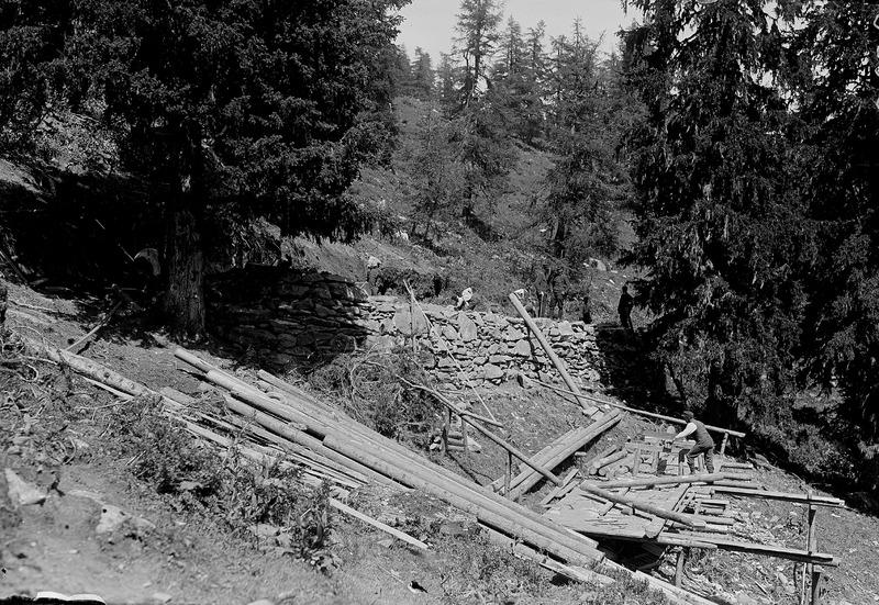File:Bau einer Artilleriestellung in den Alpen - CH-BAR - 3236916.tif