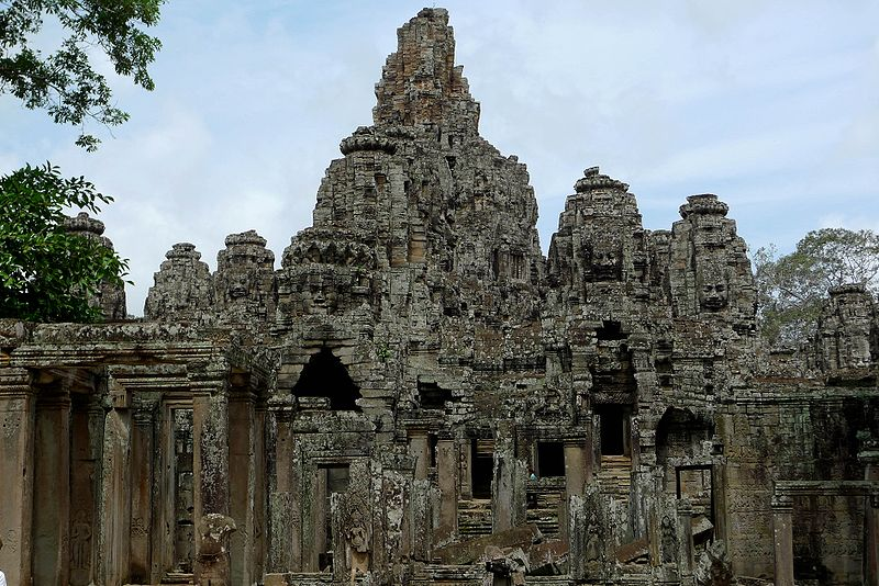File:Bayonne temple, Angkor Thom, Siem Reap, Cambodia.jpg