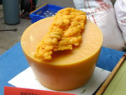 definition of beeswax