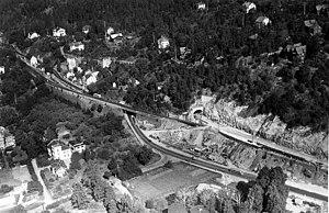 Bekkelaget Station - Construction of the Bekkelaget Tunnel and the new statio in 1958. The old station to the left.