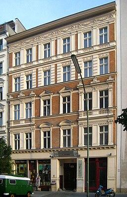 Berlin, Kreuzberg, Zimmerstraße 11, Mietshaus 01