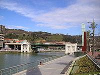 La Ría del Nervión a su paso por la ciudad.