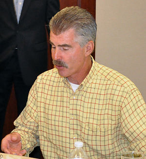 Bill Buckner - Buckner signing autographs in 2011