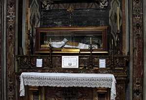 Andrew Avellino - Body of Blessed Andrew Avellino in San Paolo Maggiore (Naples).