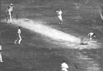 Bert Oldfield - Harold Larwood hits Bert Oldfield in the head