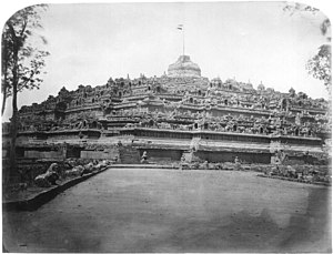 Isidore van Kinsbergen - Borobudur by van Kinsbergen c. 1873. A Dutch flag is shown on top of the main dome.