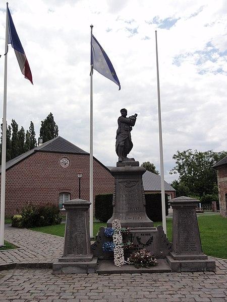 Bousies (Nord, Fr) monument aux morts