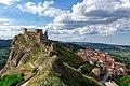 Brindisi di Montagna ed il castello.jpg