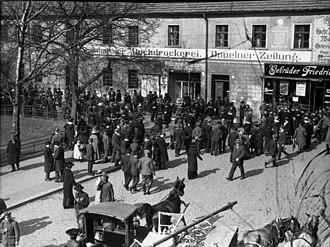 Upper Silesia plebiscite - A crowd awaits the plebiscite results in Oppeln (Opole)