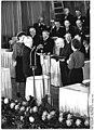 Bundesarchiv Bild 183-16662-0024, Victor Klemperer erhält Nationalpreis.jpg