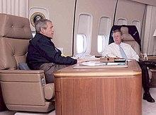 George W. Bush ed il Senatore Johnny Isakson a bordo dell'Air Force One.