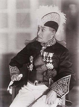 Pontianak Sultanate - Image: COLLECTIE TROPENMUSEUM De Sultan van Pontianak Sjarif Mohamad Ibnoel Marhoem Soelthan Sjarif Joesoef T Mnr 10001608