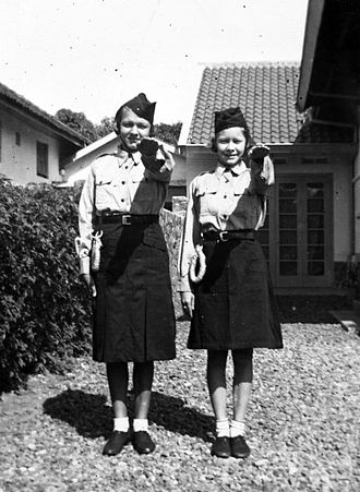 Nationale Jeugdstorm - Girls of the Nationale Jeugdstorm in Dutch East Indies, 1937, Tropenmuseum.