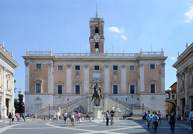 Campidoglio (Palacio Senatorio) September 2015-1.jpg