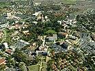 Campus der University of California, Irvine (Luftaufnahme, circa 2006) .jpg