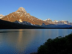 Ältester Nationalpark in Kanada, Mount Chephren und Waterfowl Lake (vom  Icefields Parkway aus)