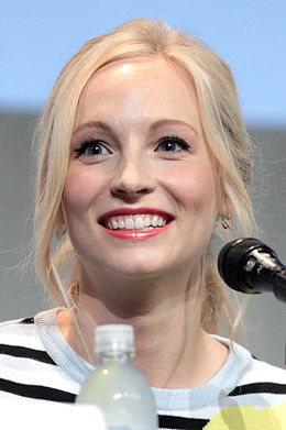 Candice Accola San Diegon Comic-Conissa 2015.
