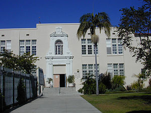 Park La Brea, Los Angeles - Carthay Center School