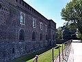 Castello Sforzesco - parte esterna.jpg