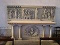Château-l'Evêque église autel (1).JPG