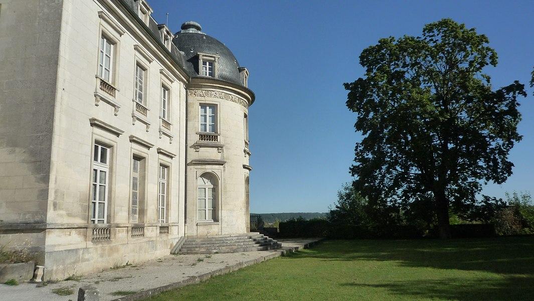 Château de Champlitte, rotonde sur l'arrière du bâtiment (Inscrit)