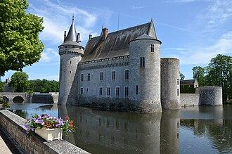Loiret - Image: Chateau de Sully sur Loire DSC 0188