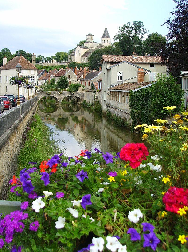 Par ordre alphabétique, des villes et des villages . - Page 5 800px-Chatillon_ville_fleurie