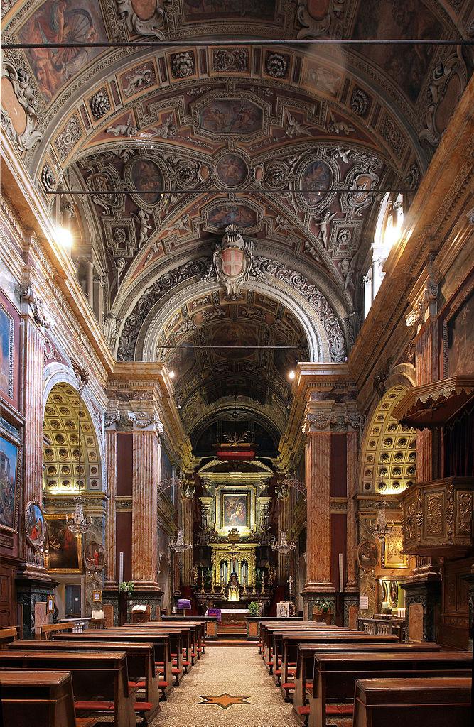 A l'intérieur de l'église Santa Cristina sur la place San Carlo à Turin - Photo de DDujany