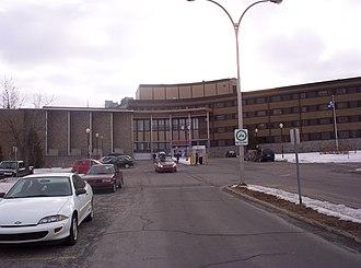 Collège Lionel-Groulx - Image: Collège Lionel Groulx, entrée principale