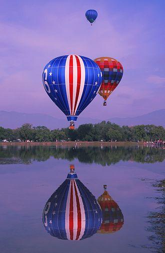 Memorial Park, Colorado Springs - Colorado Balloon Classic 2009, Labor Day Weekend, Prospect Lake in Memorial Park.