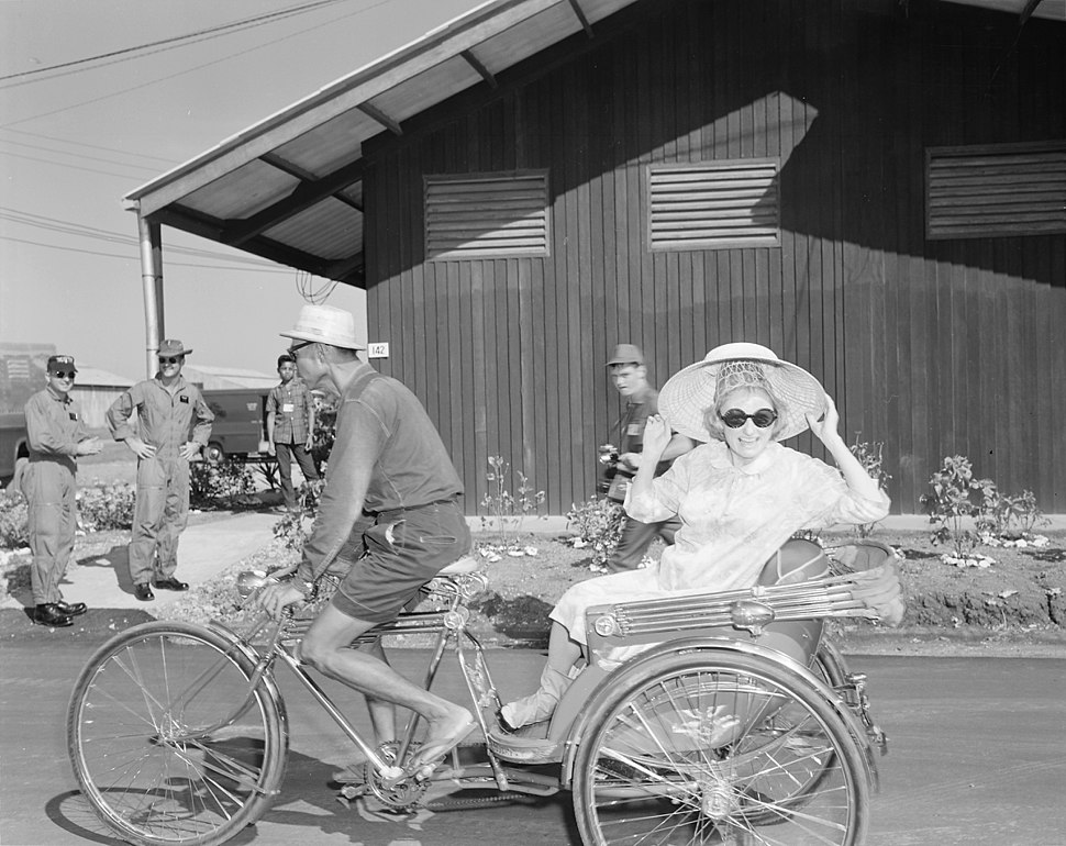 Comedienne Phyllis Diller smiles for the camera as the Bob Hope Christmas show arrives at Korat Air Base, Thailand... - NARA - 542302