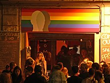 L'ingresso del Coming out, celebre locale gay su via di San Giovanni in Laterano