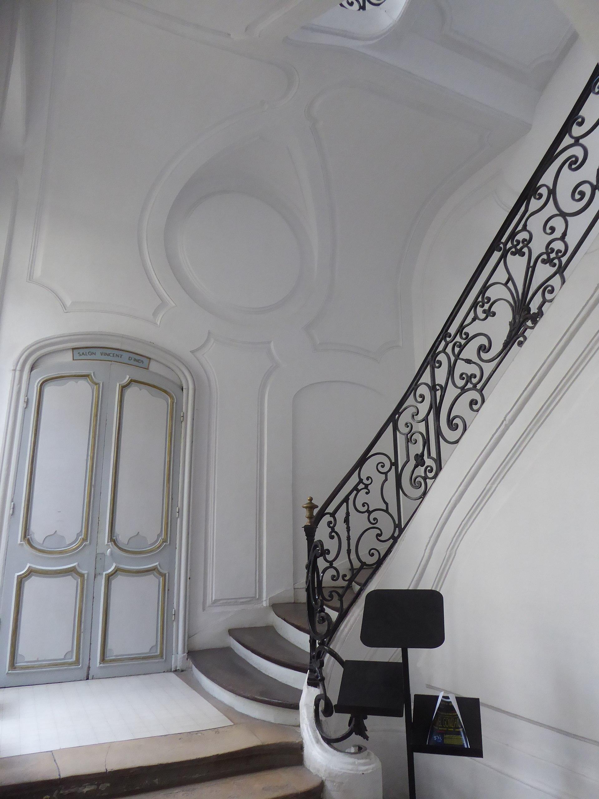 Escalier Dans Un Salon file:couvent des bénédictins anglais (ancien) escalier