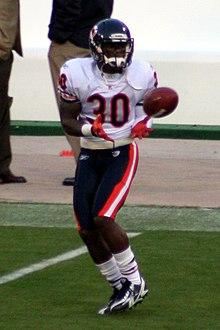 D. J. Moore (cornerback) - Wikipedia