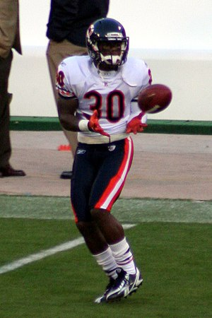 English: Moore during warmups