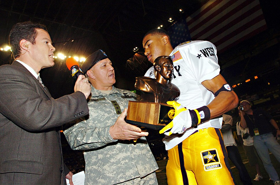 DeSean Jackson receives 2005 Pete Dawkins MVP trophy allamerican12005-01-18