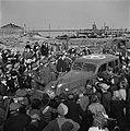 De auto van konining Wilhemina bij de haven van Breskens, Bestanddeelnr 900-4020.jpg