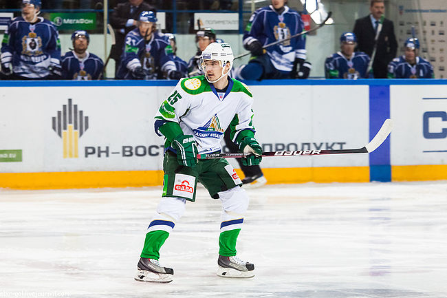 Denis Parshin 2012-10-23 Amur—Salavat Yulaev KHL-game.jpeg