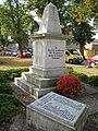 Denkmal 1. und 2.Weltkrieg Dabendorf - 1 - panoramio.jpg
