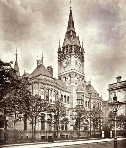 Richard Knill Freeman's Derby Museum and Art Gallery and Central Library, 1876 DerbyMuseumAndLibraryin1900.jpg