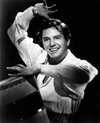 White Hispanic and Latino Americans - Image: Desi Arnaz 1950