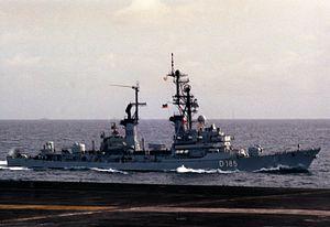 Destroyer Lütjens (D185) underway in 1988.JPEG