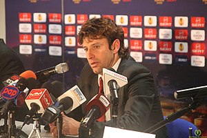 Domingos Paciência - Paciência at a press conference as Braga manager in 2011