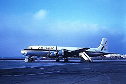 Douglas DC-7, United Airlines JP6922277.jpg