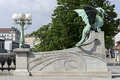 Slika:Dragons Bridge, Ljubljana 4.jpg