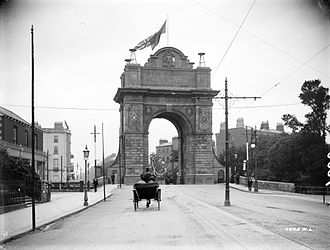 Leeson Street - Triumphal arch erected on Leeson Street Bridge for the visit of Edward VII to Dublin in 1903