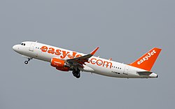 EZY A320 G-EZWM 2jul15 LFBO-2.jpg