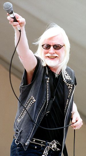 Edgar Winter - Edgar Winter performing at Gulfstream Park in Hallandale, Florida in 2006.